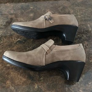 New! Easy Street comfort wave ankle boots Sz 9 1/2